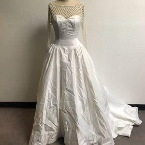 Monique Luo Wedding Dress - size 6 - Brand New